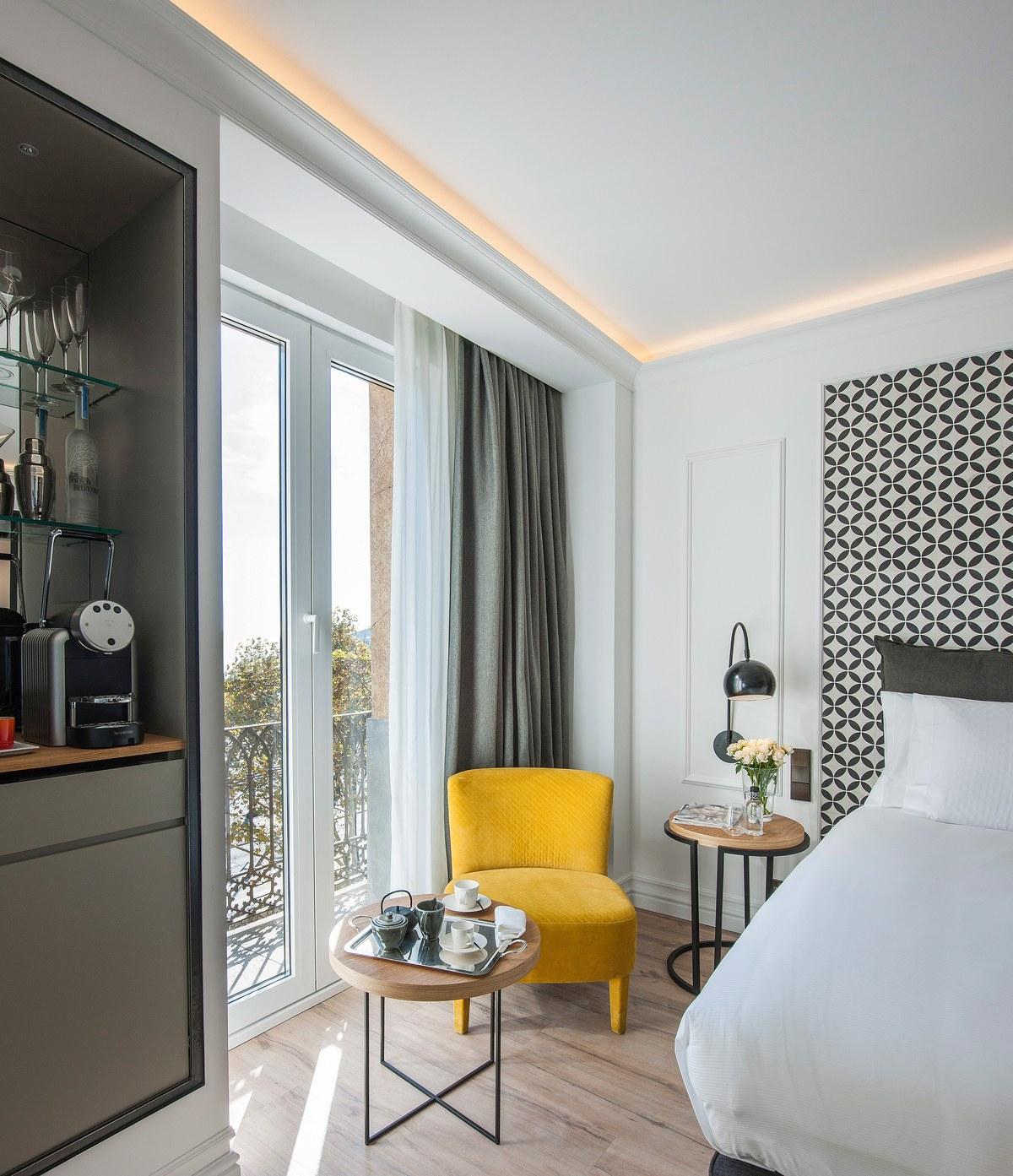 The Serras Hotel